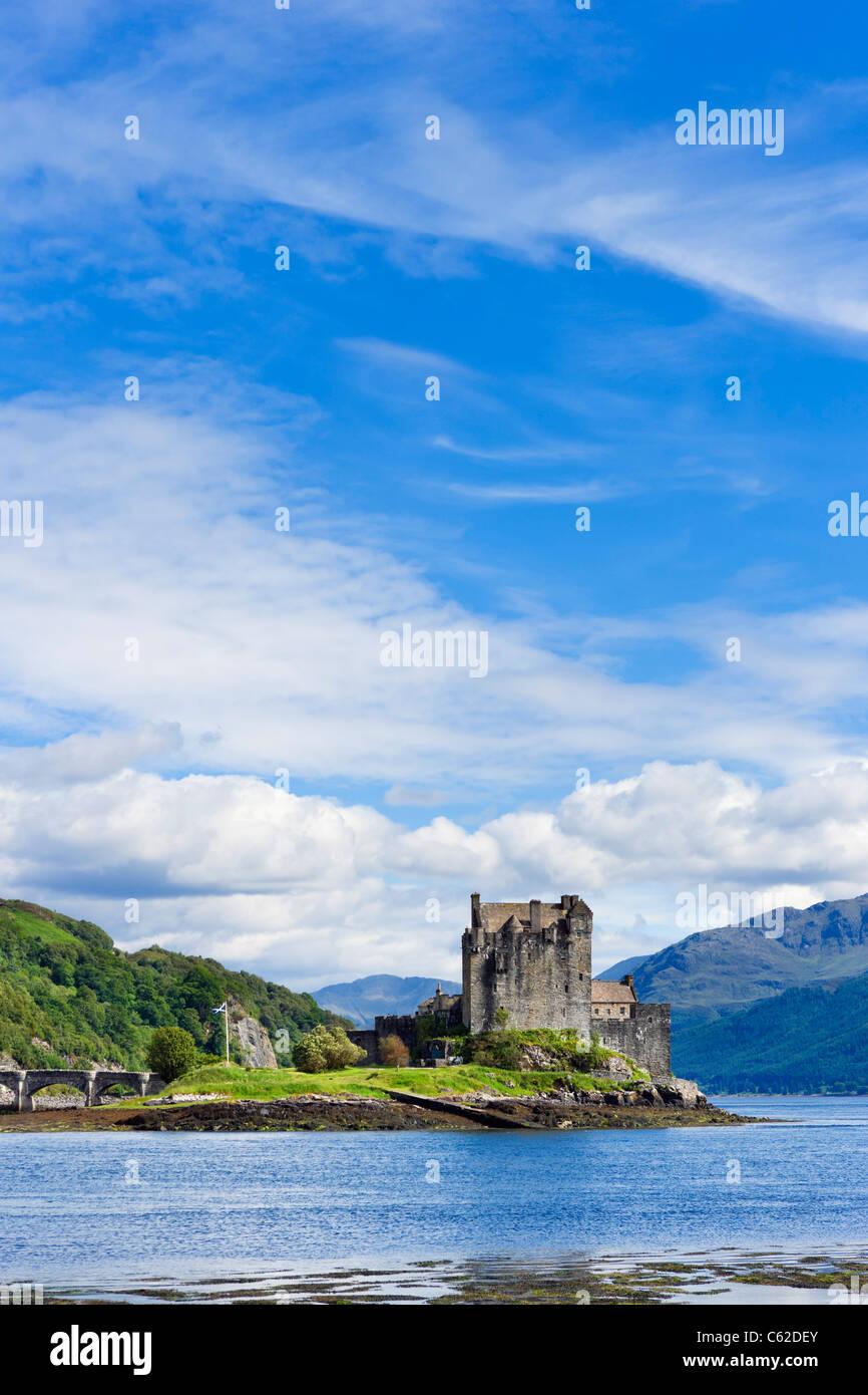 Castillo de Eilean Donan, Loch Duich, Highland, Escocia, Reino Unido. Paisaje escocés / paisajes. Imagen De Stock