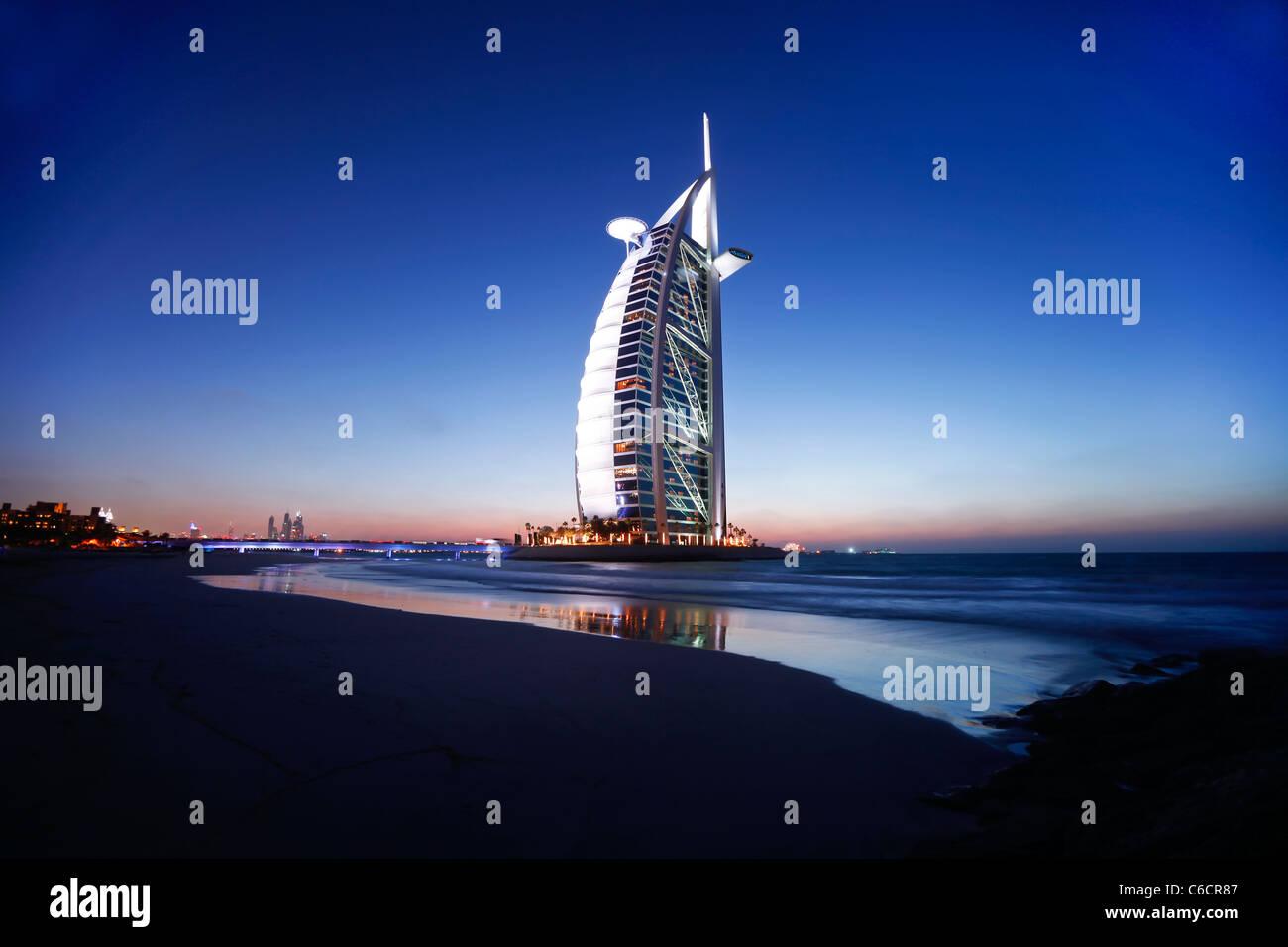 Hotel Burj Al Arab, Dubai, Emiratos Árabes Unidos. Imagen De Stock