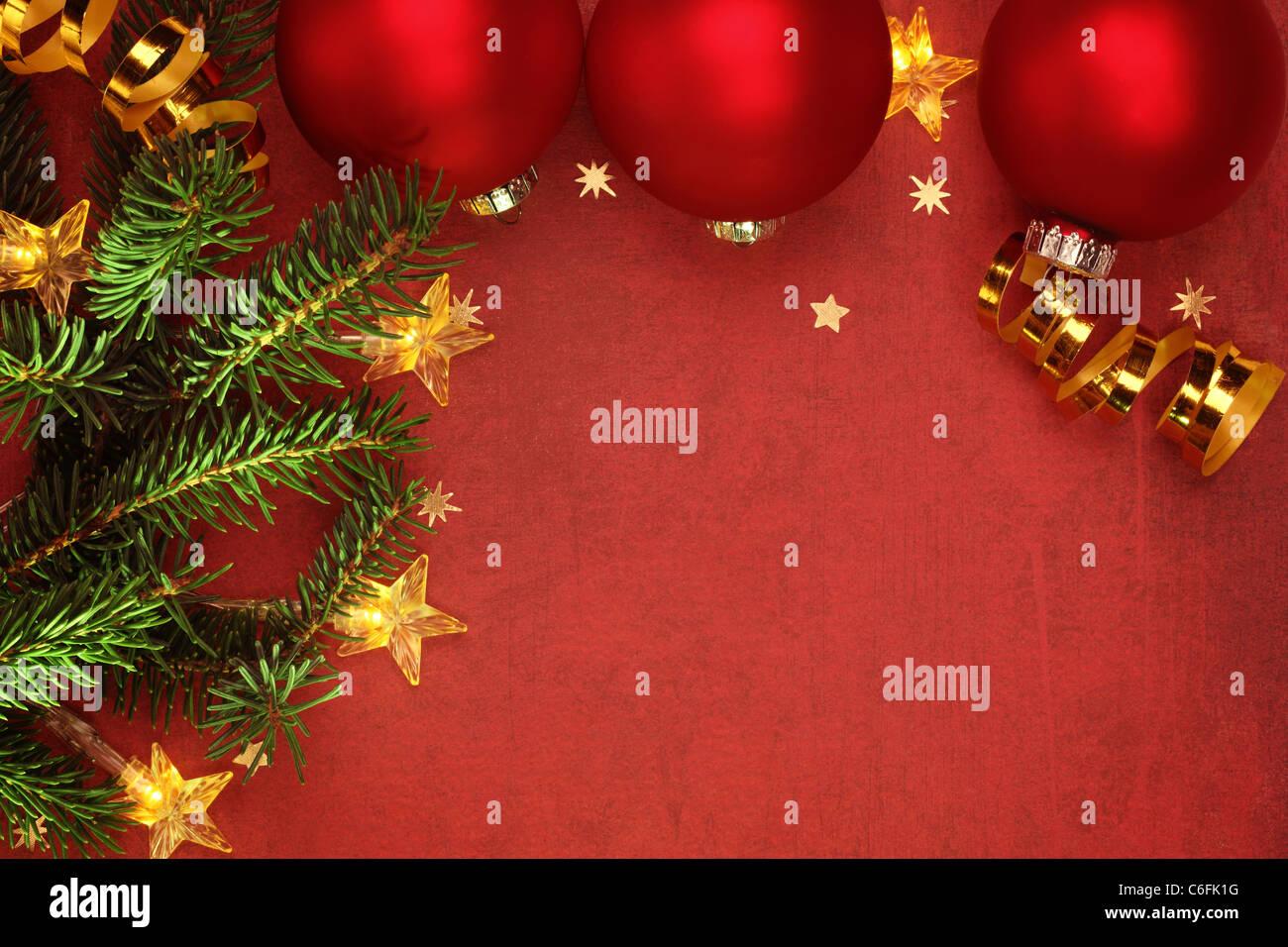 2237aeb5375 Adornos de Navidad y luz eléctrica en el grunge antecedentes Foto ...
