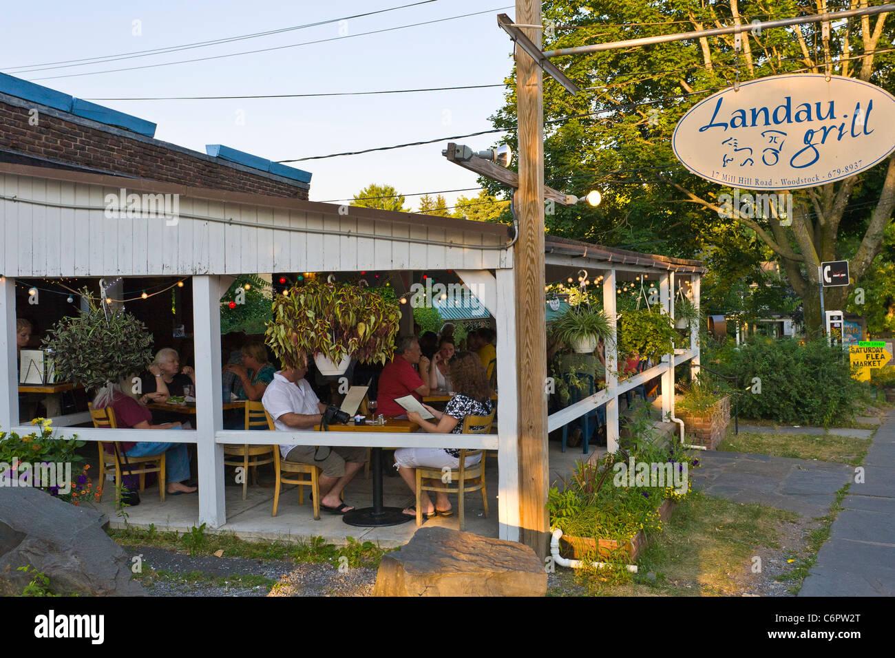Landau Grill en Woodstock Nueva York Imagen De Stock
