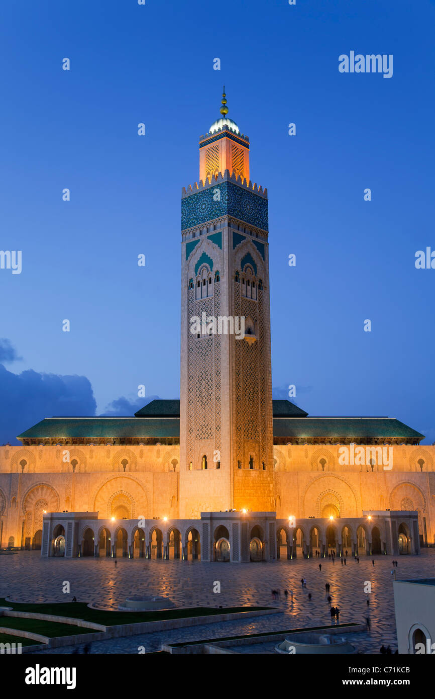 Mezquita de Hassan II, la tercera mezquita más grande del mundo, en Casablanca, Marruecos, Norte de África Foto de stock