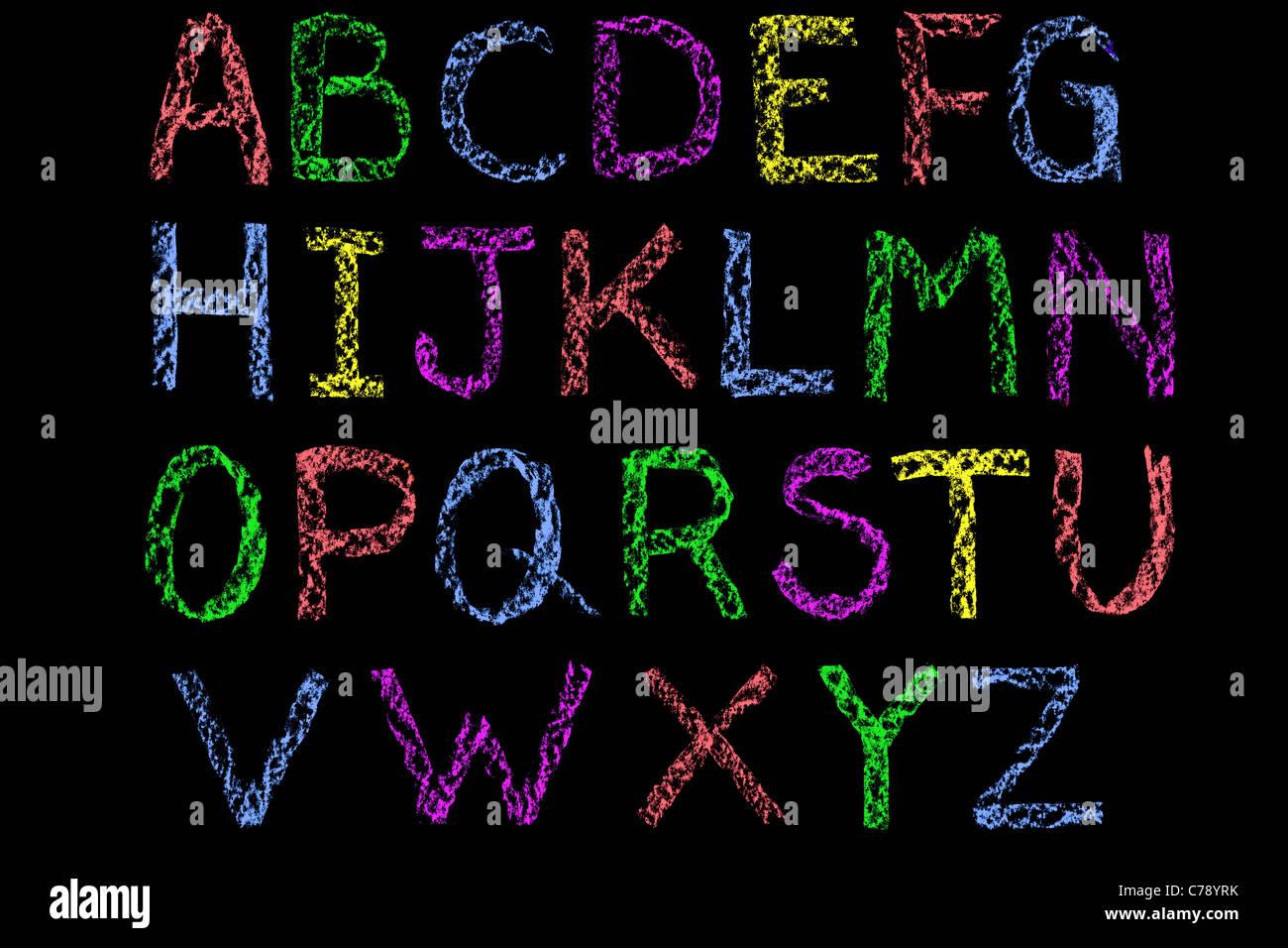 Cartas manuscritas del alfabeto escrito en una pizarra de tiza blanca luego limpiados durante la edición Imagen De Stock