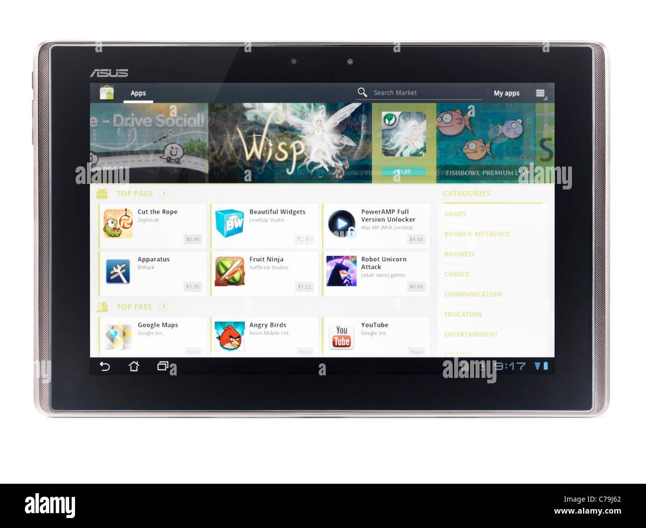ASUS Eee Pad Transformer TF101 tablet pc con Google Android Marketplace en su pantalla aislado sobre fondo blanco. Imagen De Stock