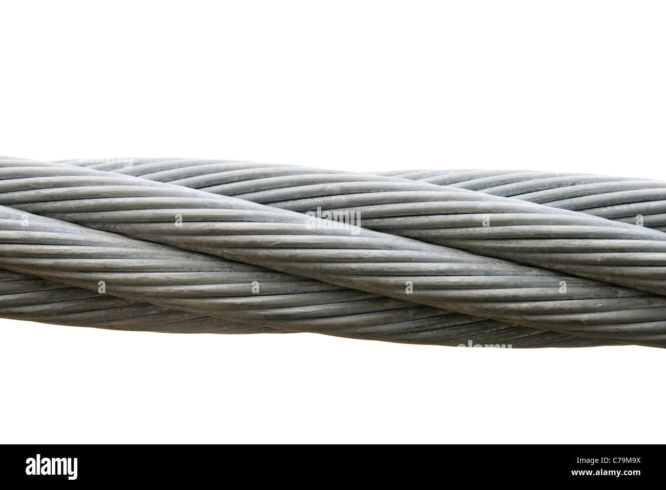 Cable de acero aislado sobre un fondo blanco. Imagen De Stock