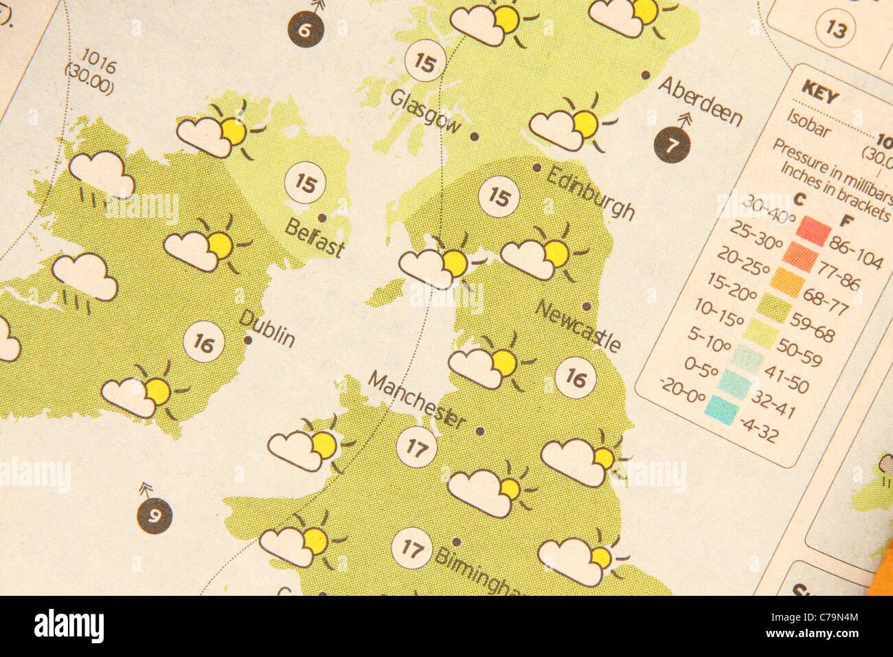 Previsión meteorológica mapa en un periódico Imagen De Stock