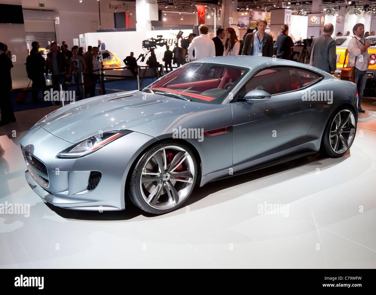Nuevo concepto híbrido de Jaguar C-X16 en el IAA 2011 Salón Internacional del Automóvil de Frankfurt Imagen De Stock