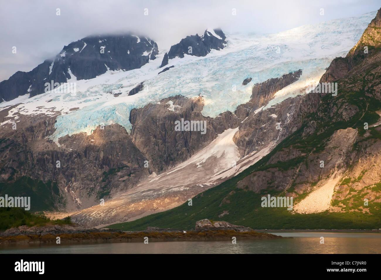 Sunset Fiordo Noroeste, fiordos de Kenai National Park, cerca de Seward, Alaska. Imagen De Stock