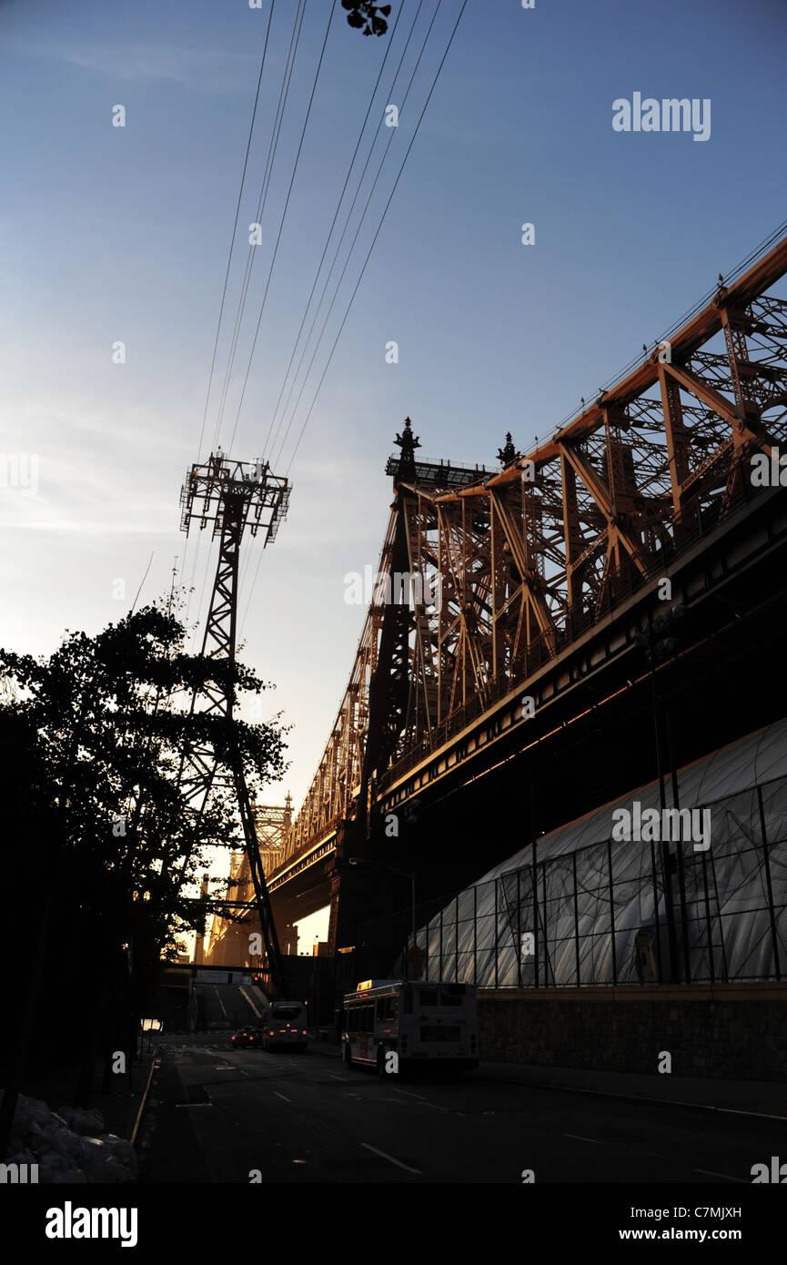 Blue Sky mañana temprano retrato de árboles y tres vehículos East 60th  Street 68de0c21520