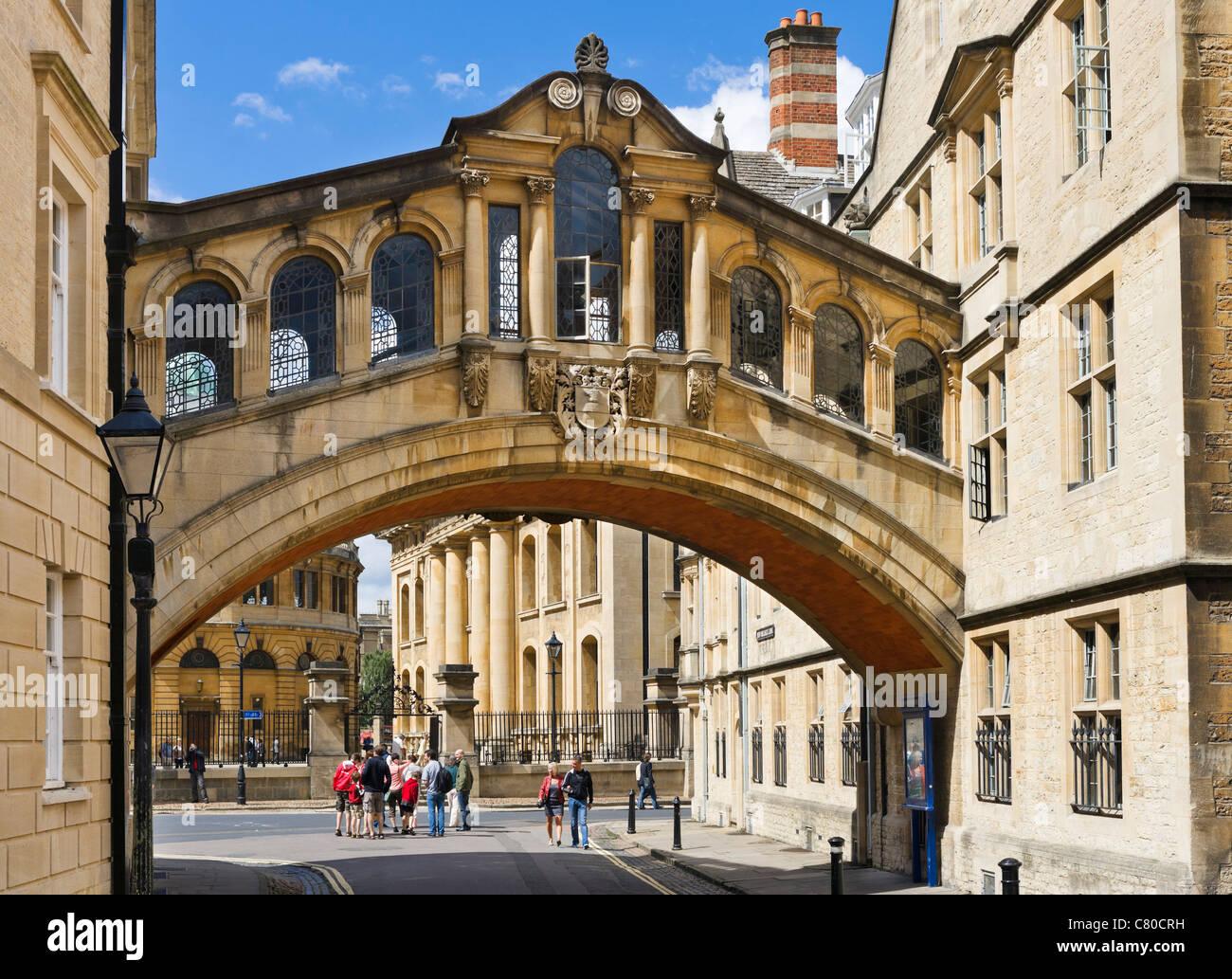 """La Universidad de Oxford. El Hertford Bridge (comúnmente conocido como """"El Puente de los Suspiros') Imagen De Stock"""