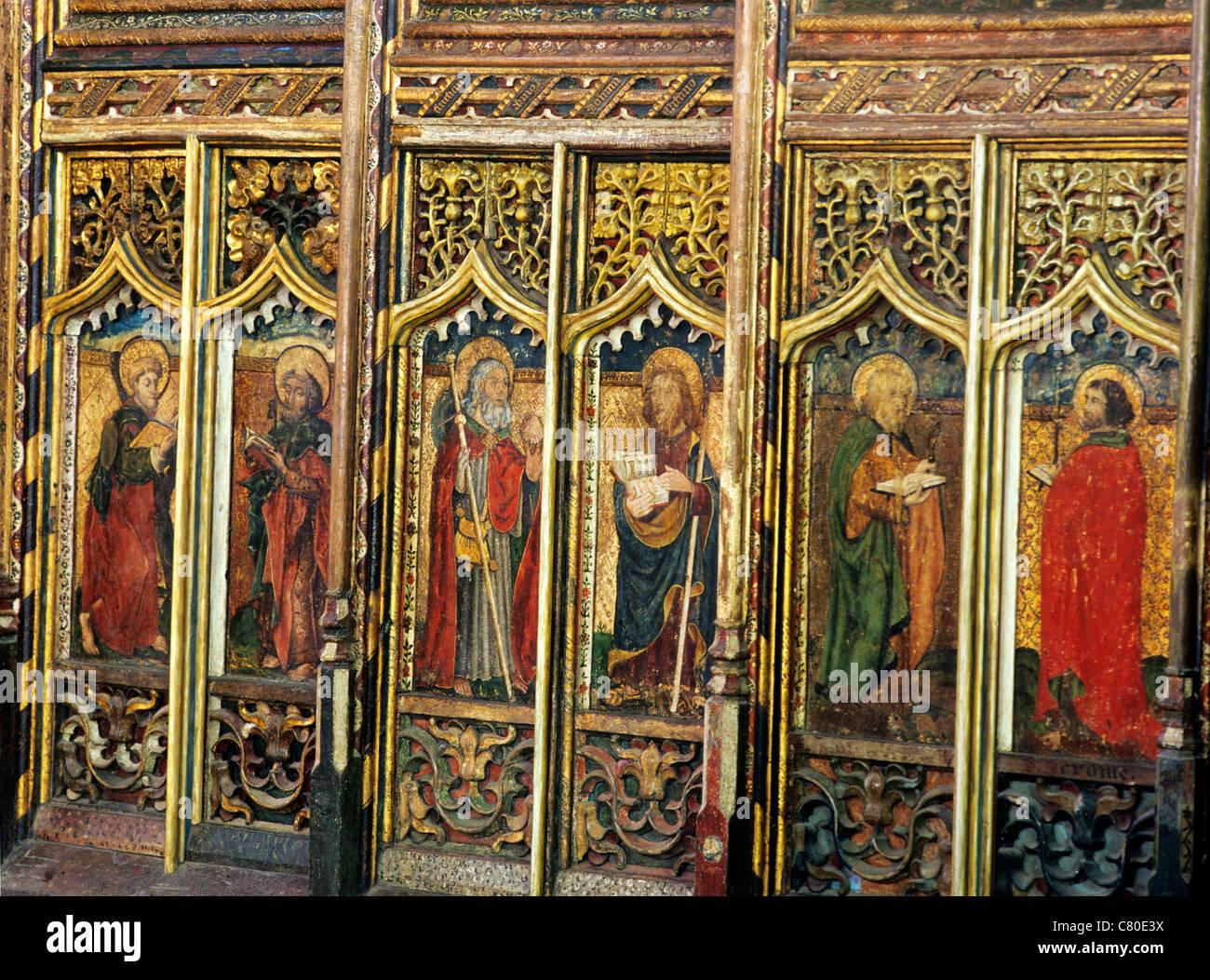 Worstead, Norfolk, Rood, 6 paneles de pantalla de Apóstoles, Inglés pantallas medieval pintura pinturas Imagen De Stock