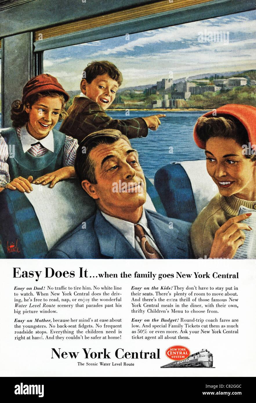 Revista americana anuncio publicitario en 1954 viaje familiar en el ferrocarril central de Nueva York Imagen De Stock