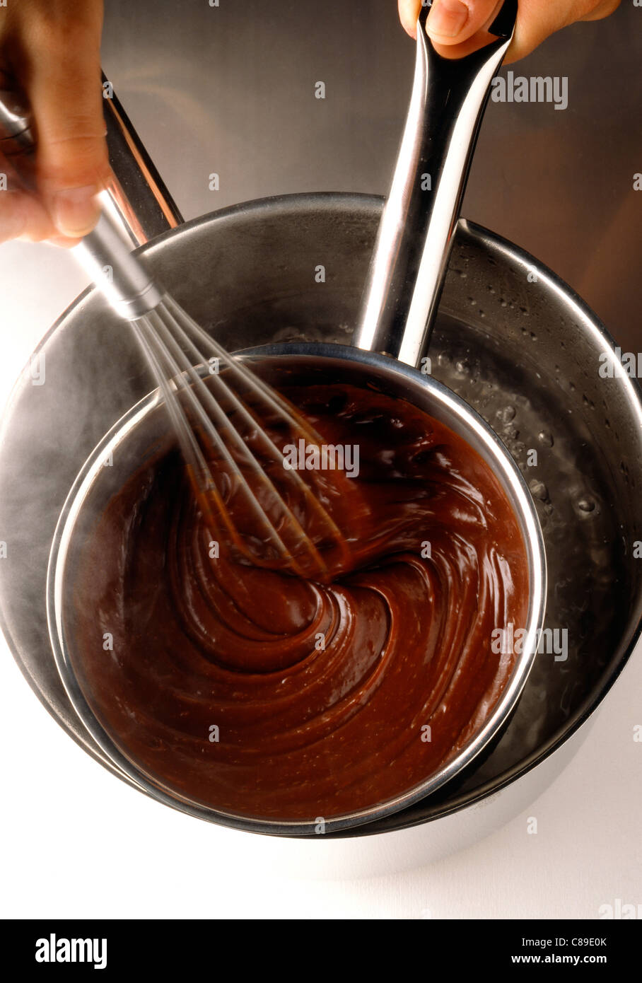 Chocolate Baño Maria   El Chocolate Derretido En Bano Maria Foto Imagen De Stock
