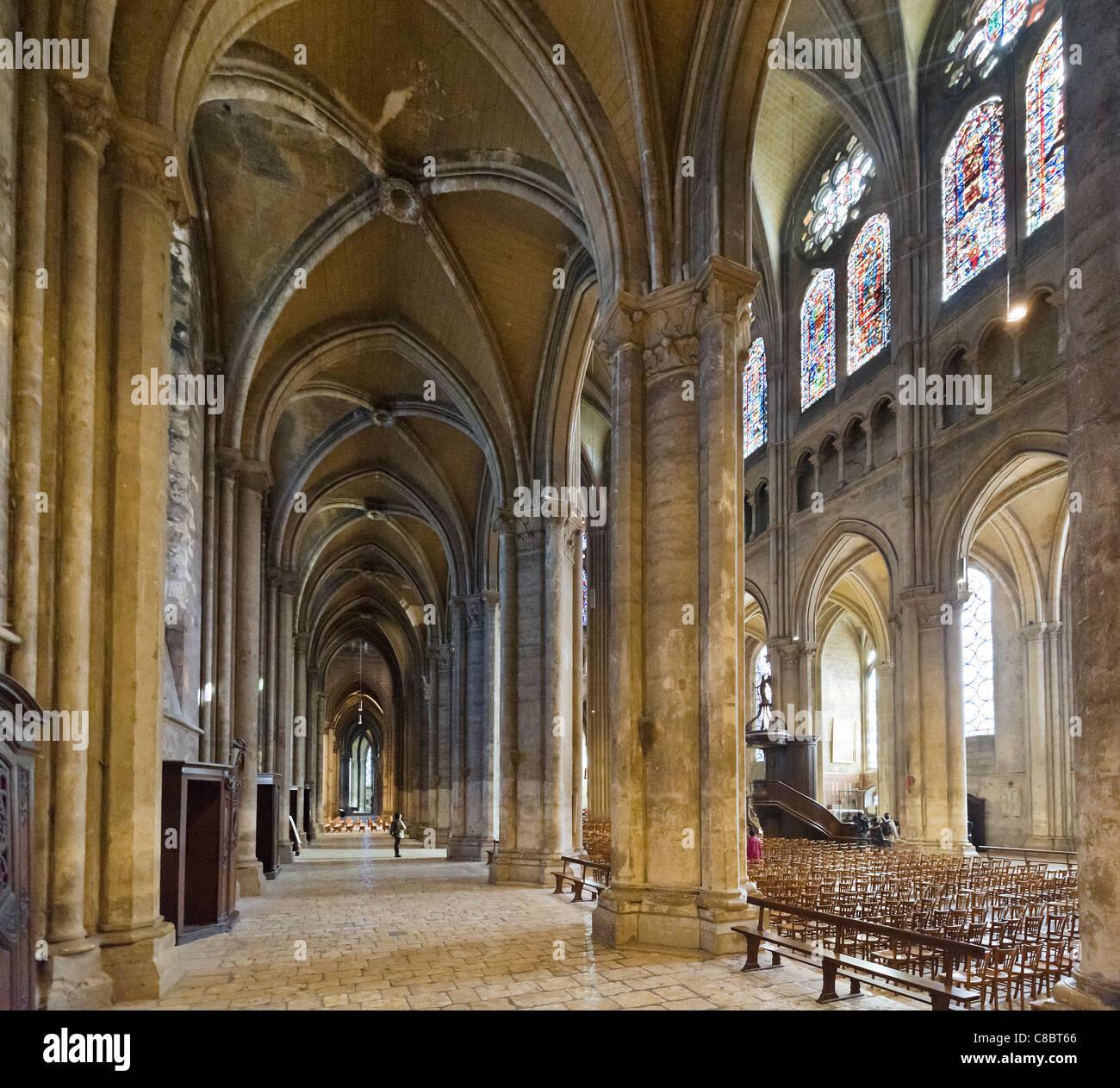 Interior de la catedral de Notre Dame, Chartres, Francia Imagen De Stock