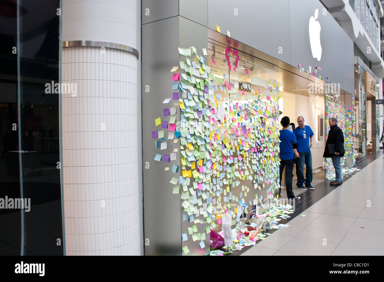 Apple store recordando a Steve Jobs memo Imagen De Stock