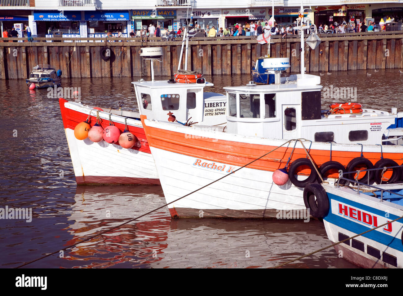 Barcos en el puerto en Bridlington, Yorkshire, Inglaterra Foto de stock