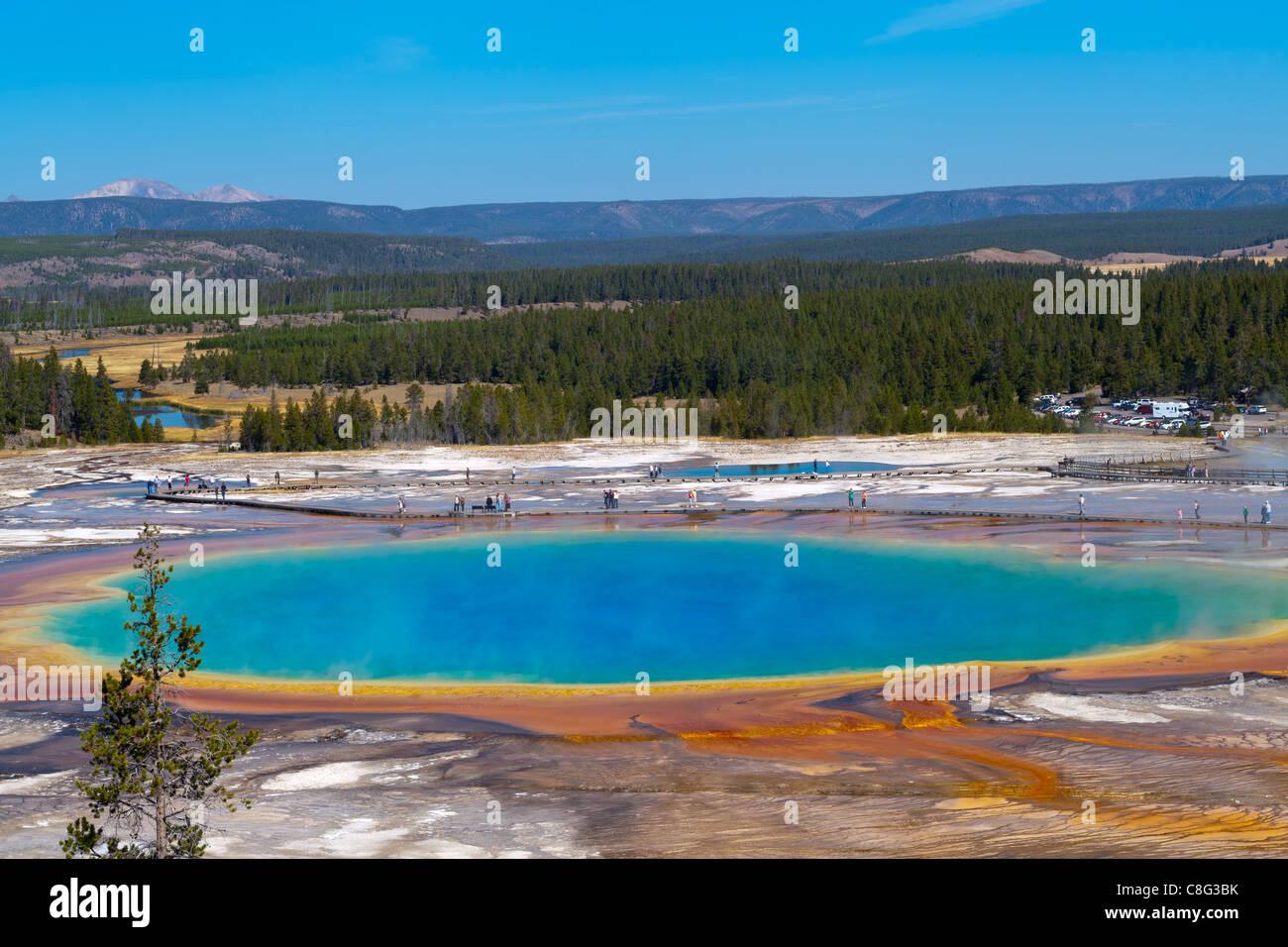 Grand Prismatic descubierta en el parque nacional de Yellowstone Foto de stock