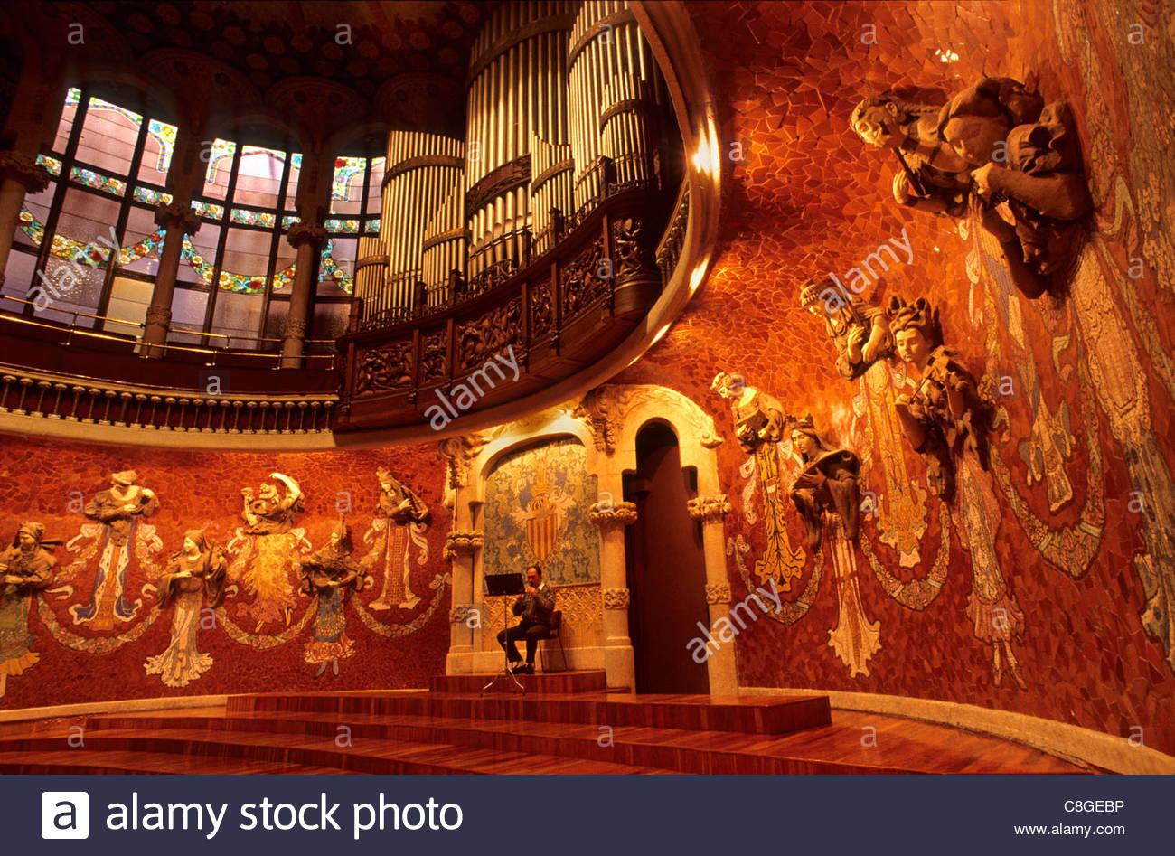 En el interior del Palau de la Música Catalana. Imagen De Stock