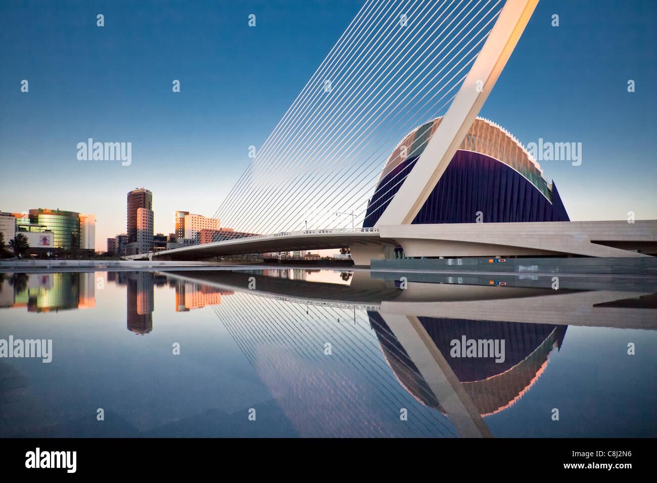 España, Europa, Valencia, Ciudad de las Artes y las Ciencias, Calatrava, la arquitectura moderna, SUPR o Assut, Imagen De Stock