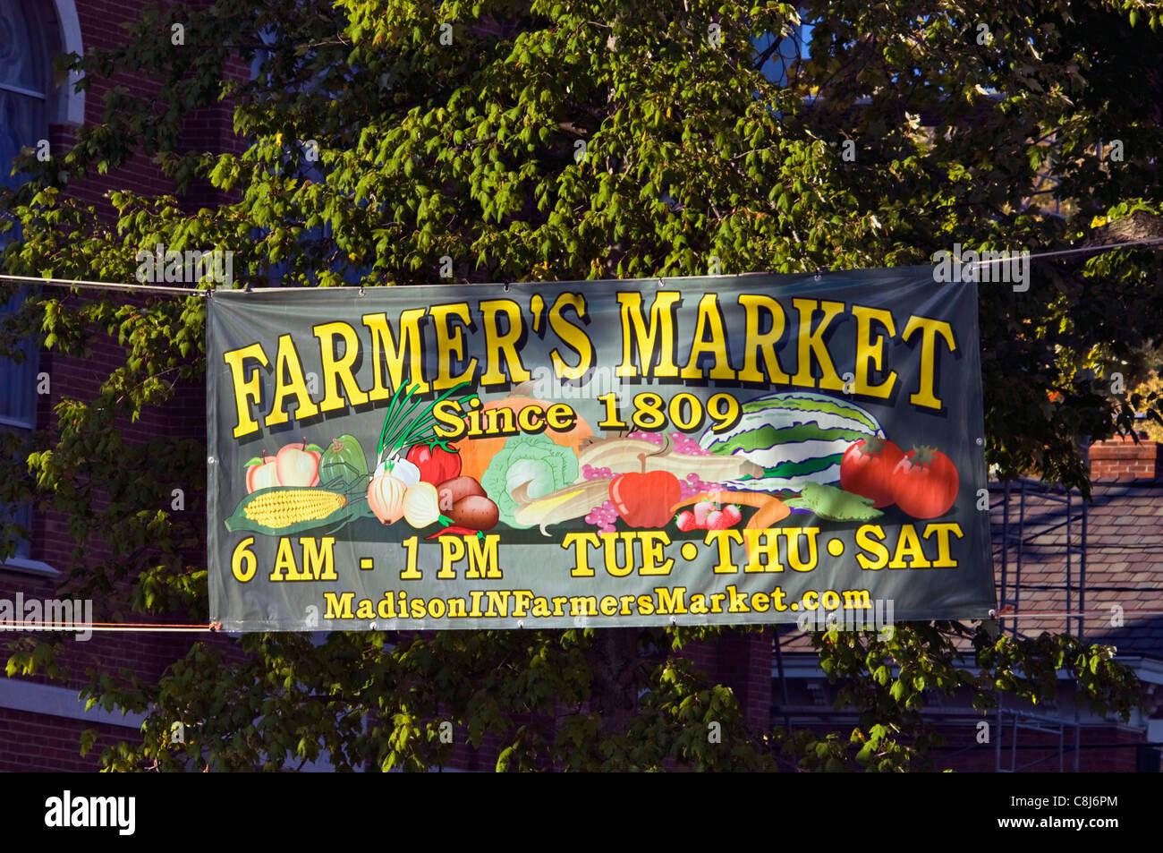 Mercado de agricultores Banner en Madison, Indiana Imagen De Stock