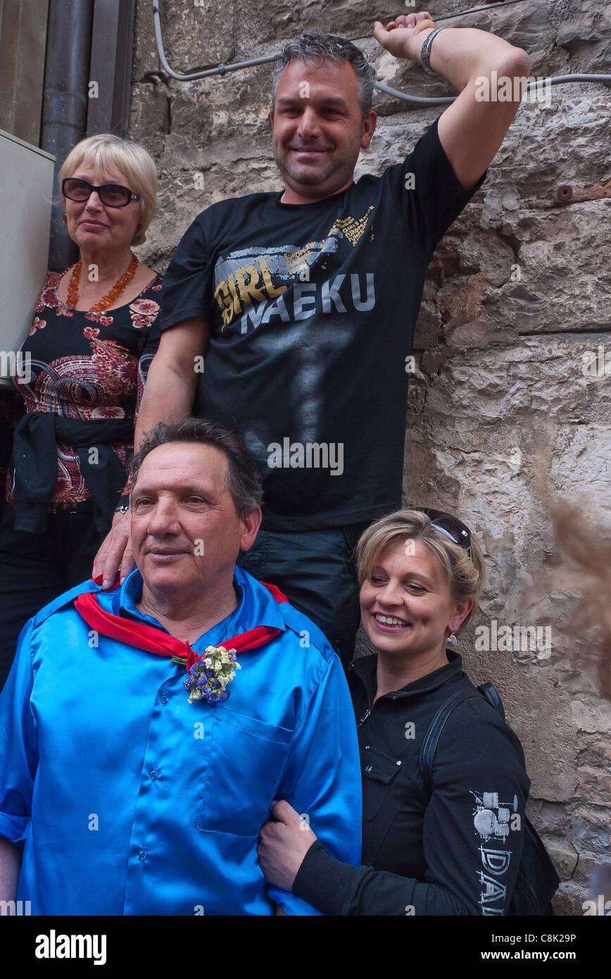 Se celebra el festival anual de la Corsa dei Ceri en honor a la patrona de la ciudad de Gubbio, Umbría, Italia. Imagen De Stock