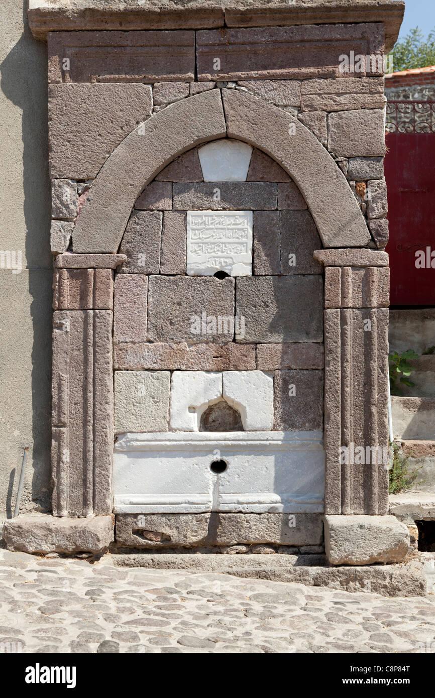 En lugar de agua antigua Mithymna , Lesbos, Grecia Imagen De Stock