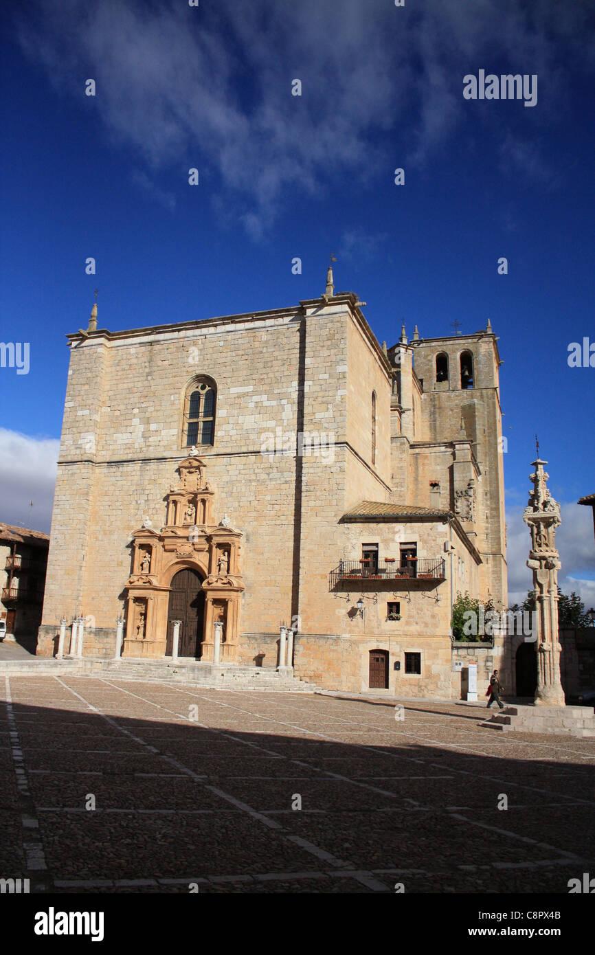 España, Burgos, Penaranda de Duero, Iglesia colegial (colegiata) Imagen De Stock