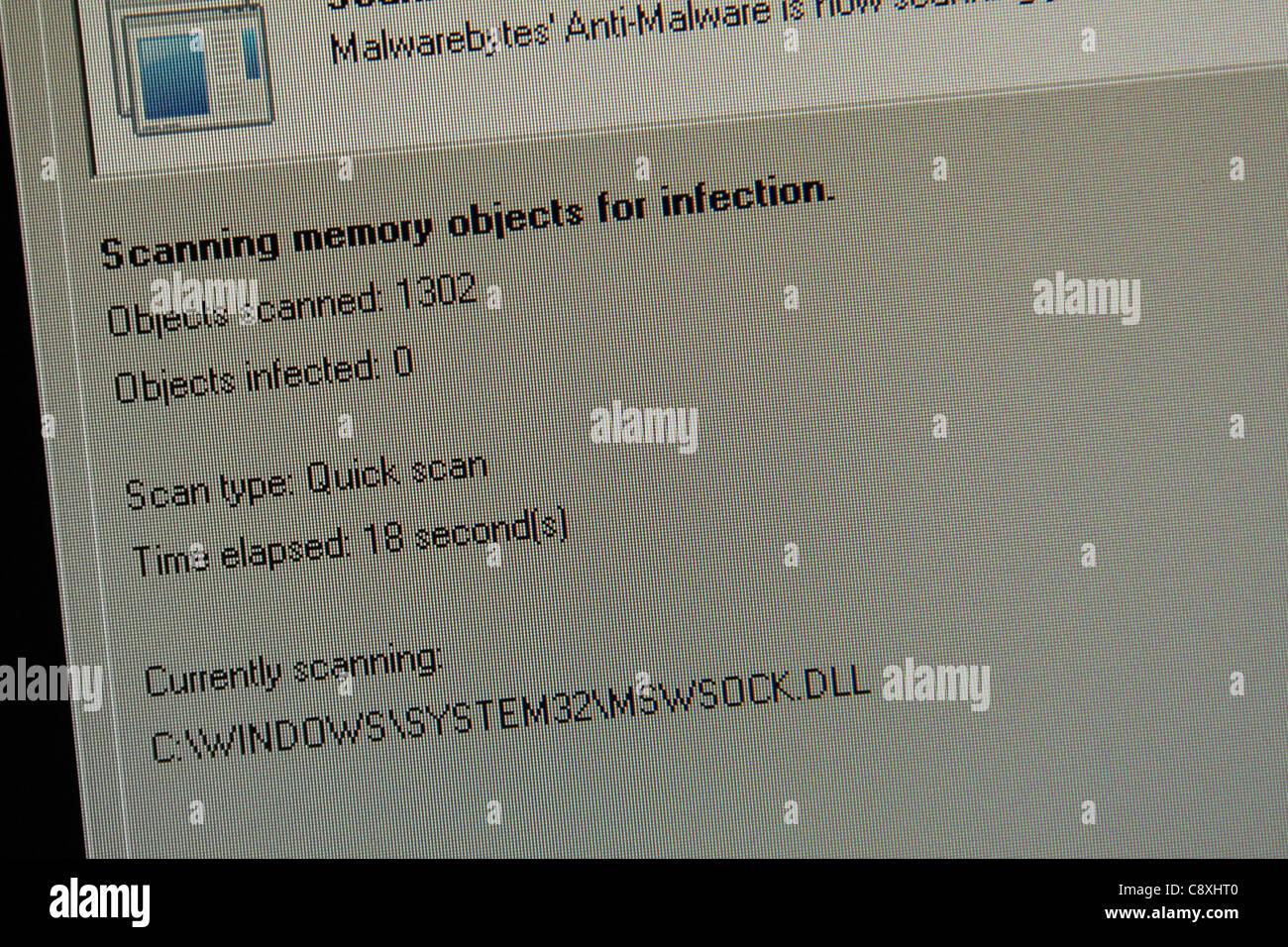 Analizar análisis virus informático infección de spyware Imagen De Stock