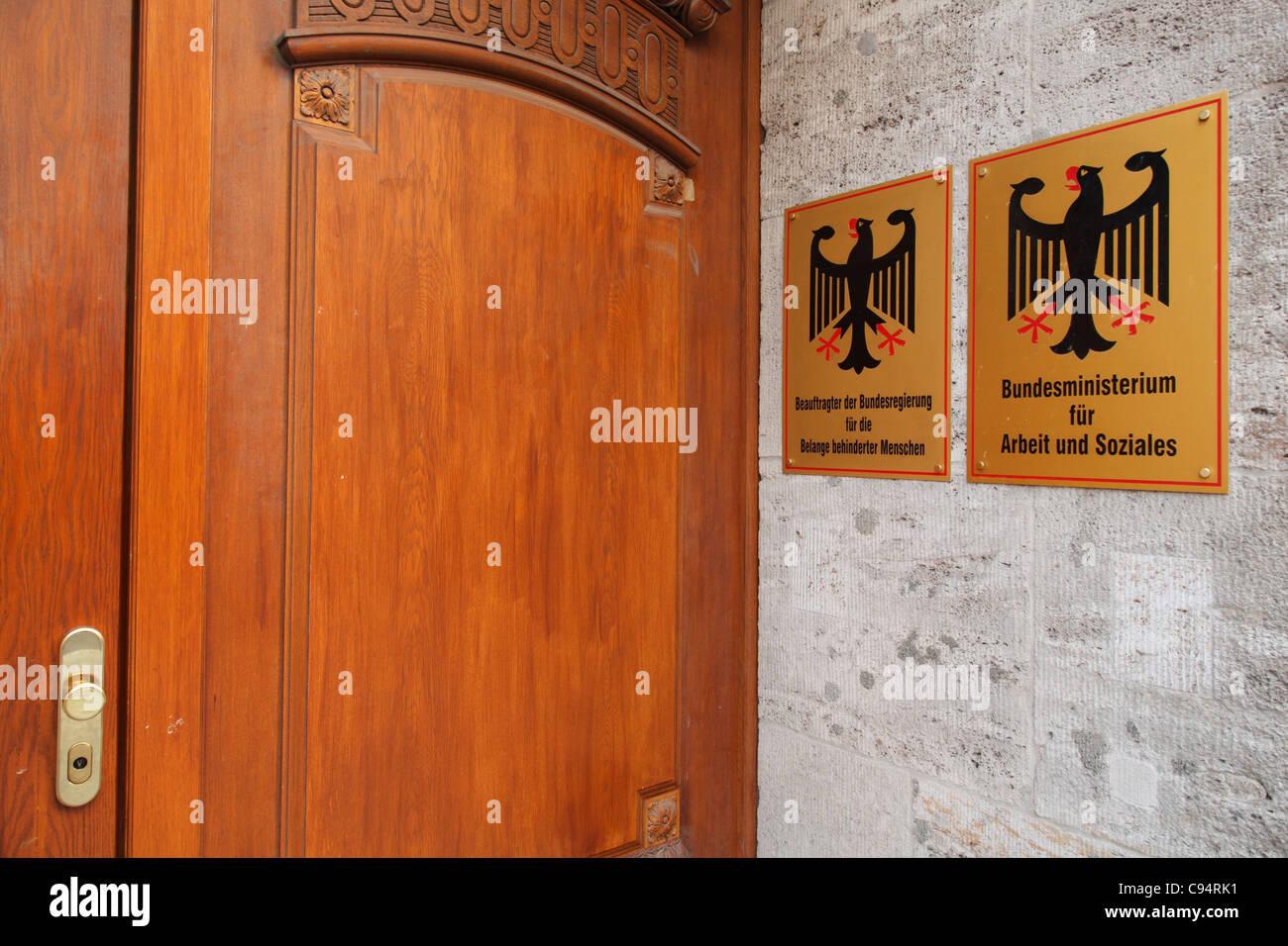 Ministerio Federal alemán de Trabajo y Asuntos Sociales en Berlín Mitte; Bundesministerium für Arbeit Imagen De Stock