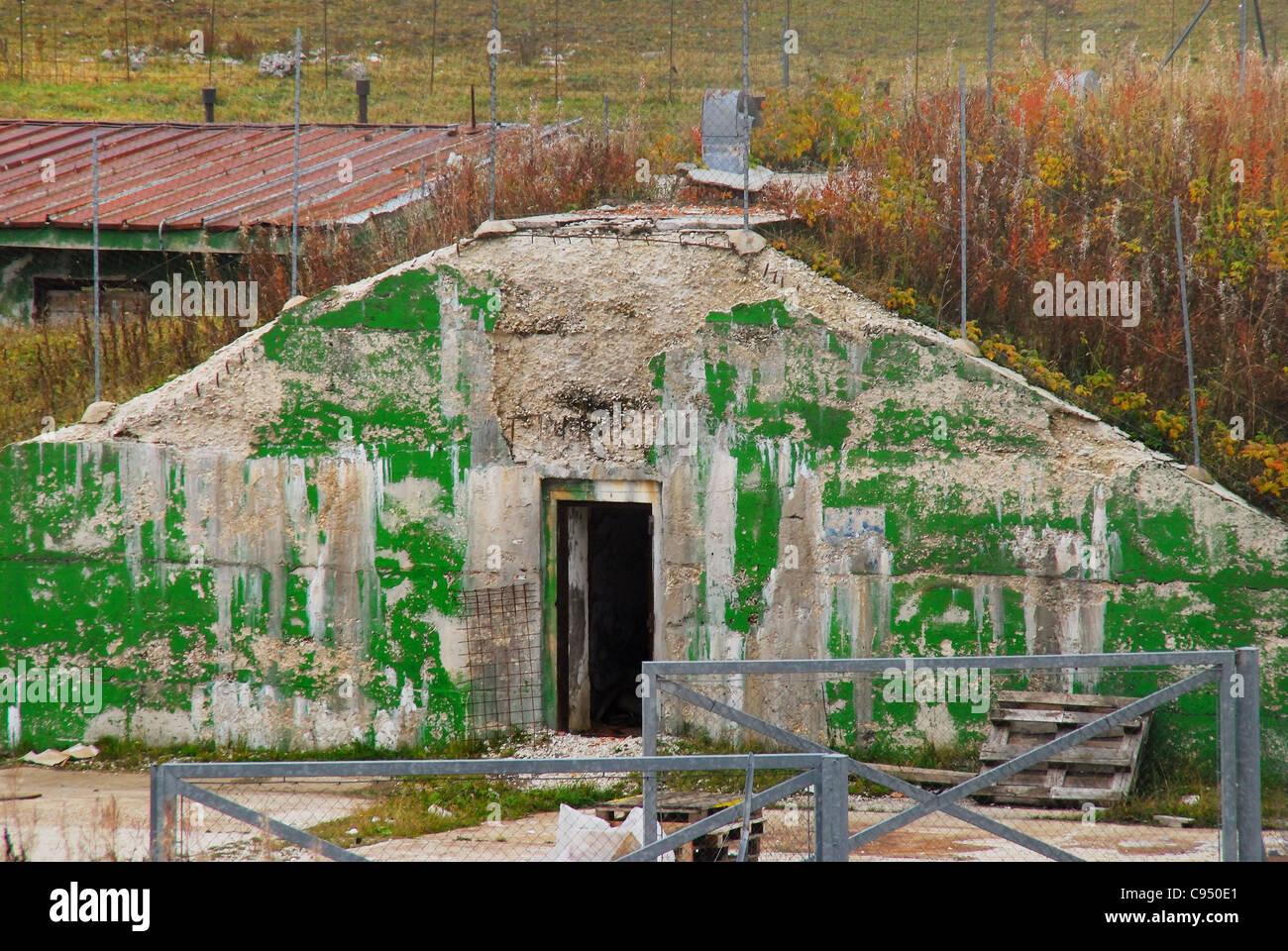 Guerra Fría. Ex base de la OTAN Tuono ( Thunder) . Fallout shelter. Imagen De Stock