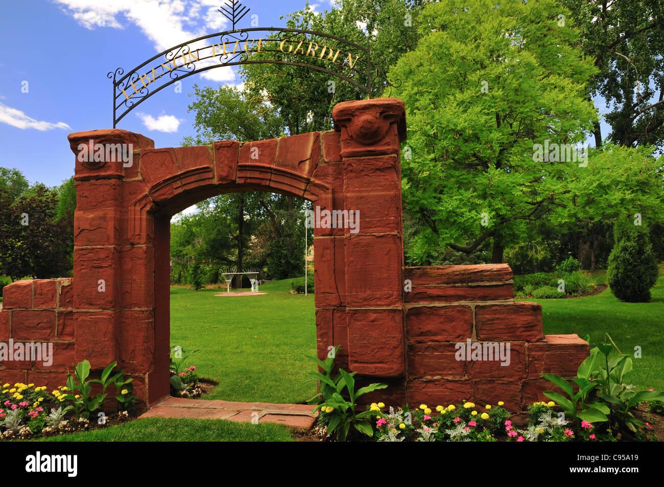 Entrada al Líbano Peace Garden en jardines de paz internacional, Jordania Park en Salt Lake City, Utah Imagen De Stock