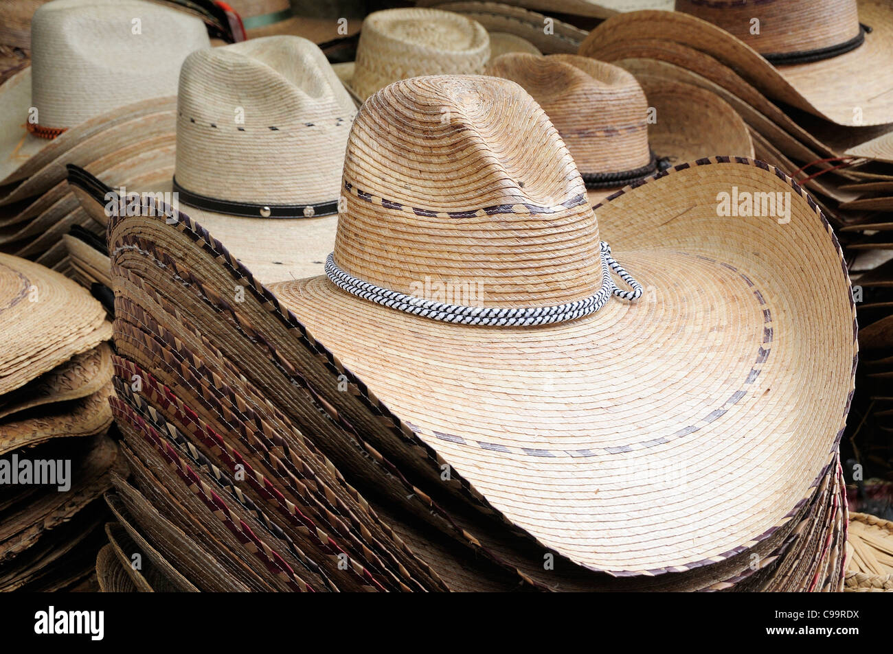 Mexico Straw Hats Mexican Imágenes De Stock   Mexico Straw Hats ... 0ce7f9e2725