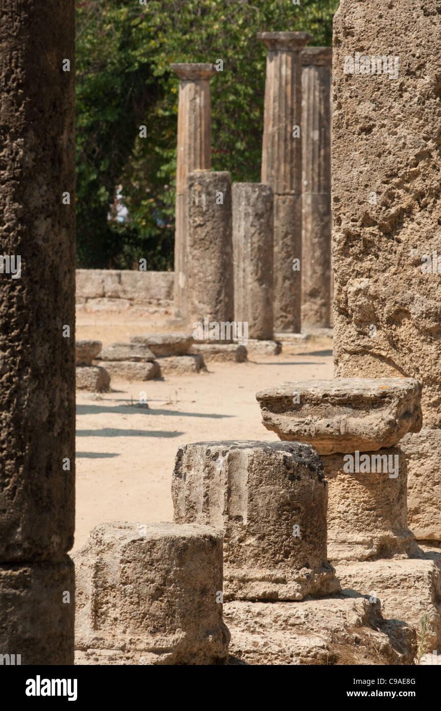 Columnas Antiguas En Olimpia Grecia Lugar De Nacimiento De Los