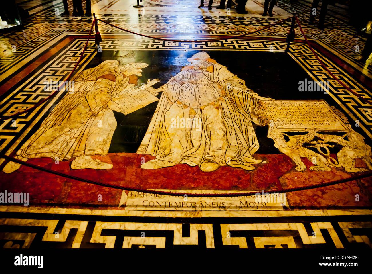 Hermes Trismegisto, fundador de la sabiduría humana (1488) de Giovanni di Stefano. Parte del pavimento medieval Imagen De Stock