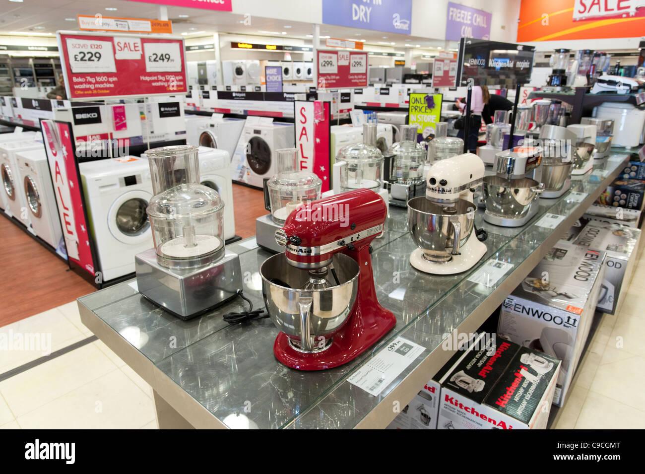 Aparatos de cocina eléctrica en tienda cometa, Londres, Inglaterra, Reino Unido. Imagen De Stock