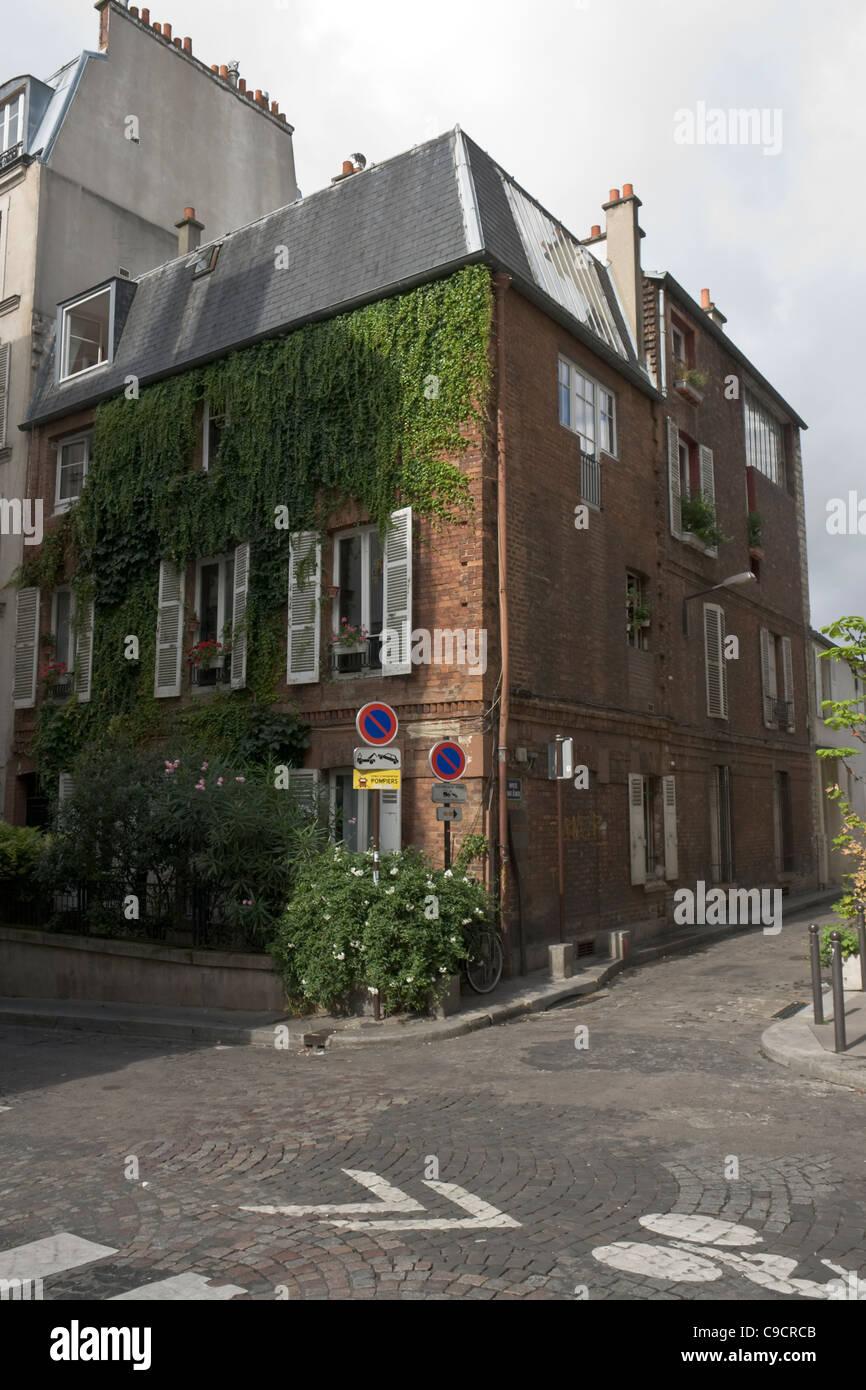 Casa de ladrillo en Montmartre, Paris, Francia Imagen De Stock