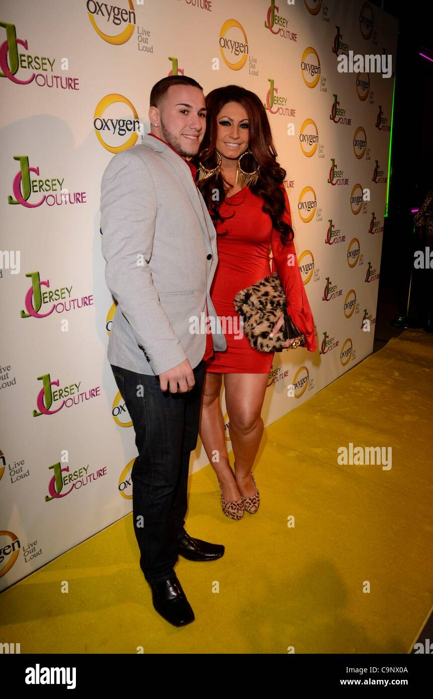 Corey Eps; Tracy DiMarco en la terminal de llegadas de Jersey del oxígeno Couture Pop-Up Beauty Bar, 684 Broadway, Imagen De Stock