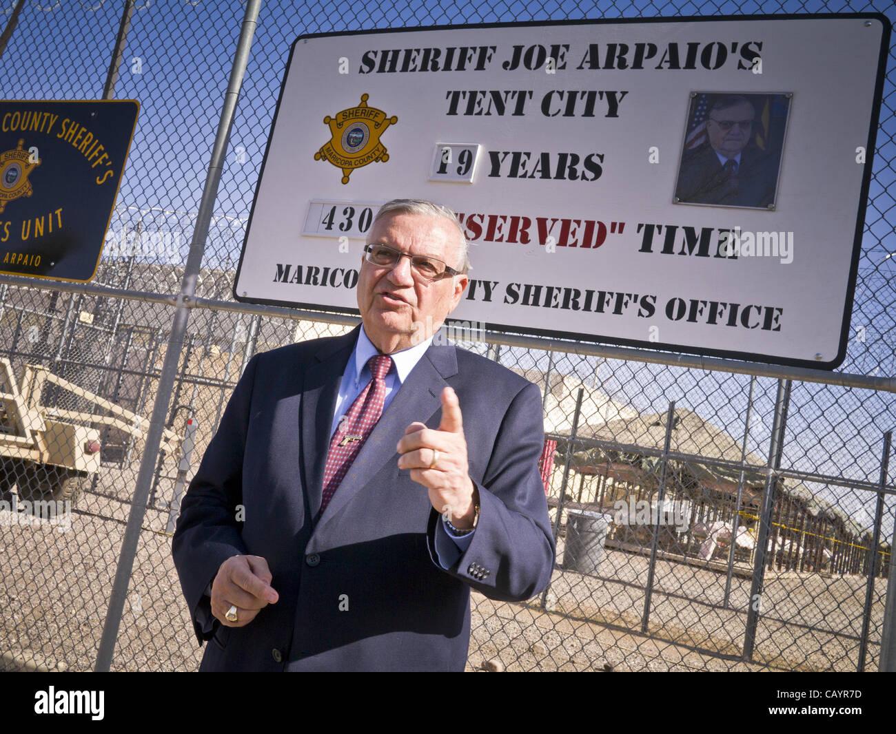 Sheriff Joe Arpaio Imágenes De Stock & Sheriff Joe Arpaio Fotos De ...