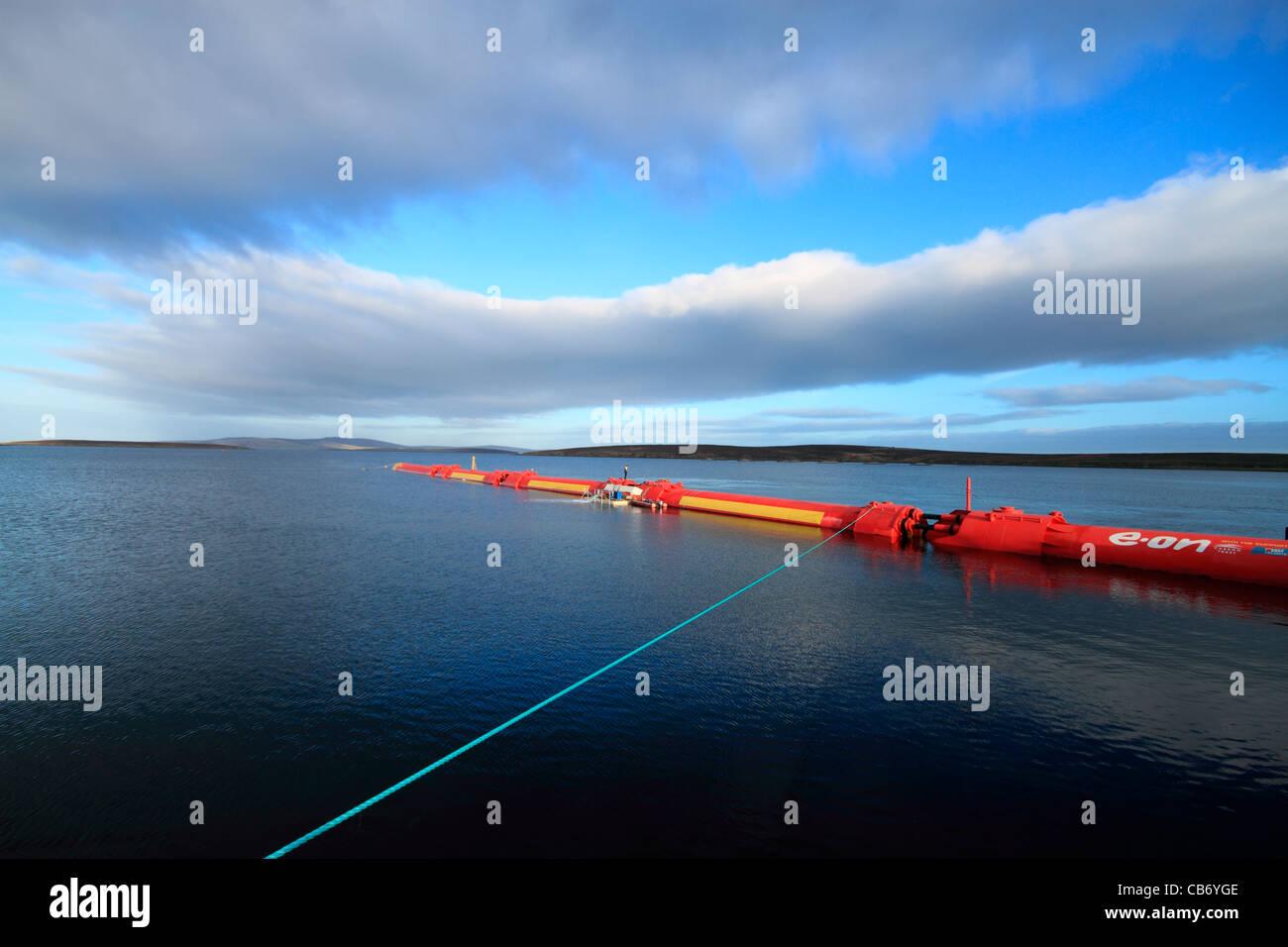 Orkney, Pelamis Wave 2 en Lyness convertidor de energía Imagen De Stock