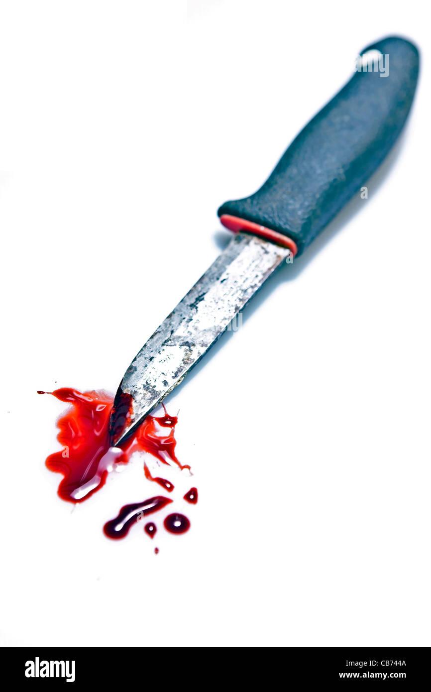 Cuchilla oxidada con sangre Foto de stock