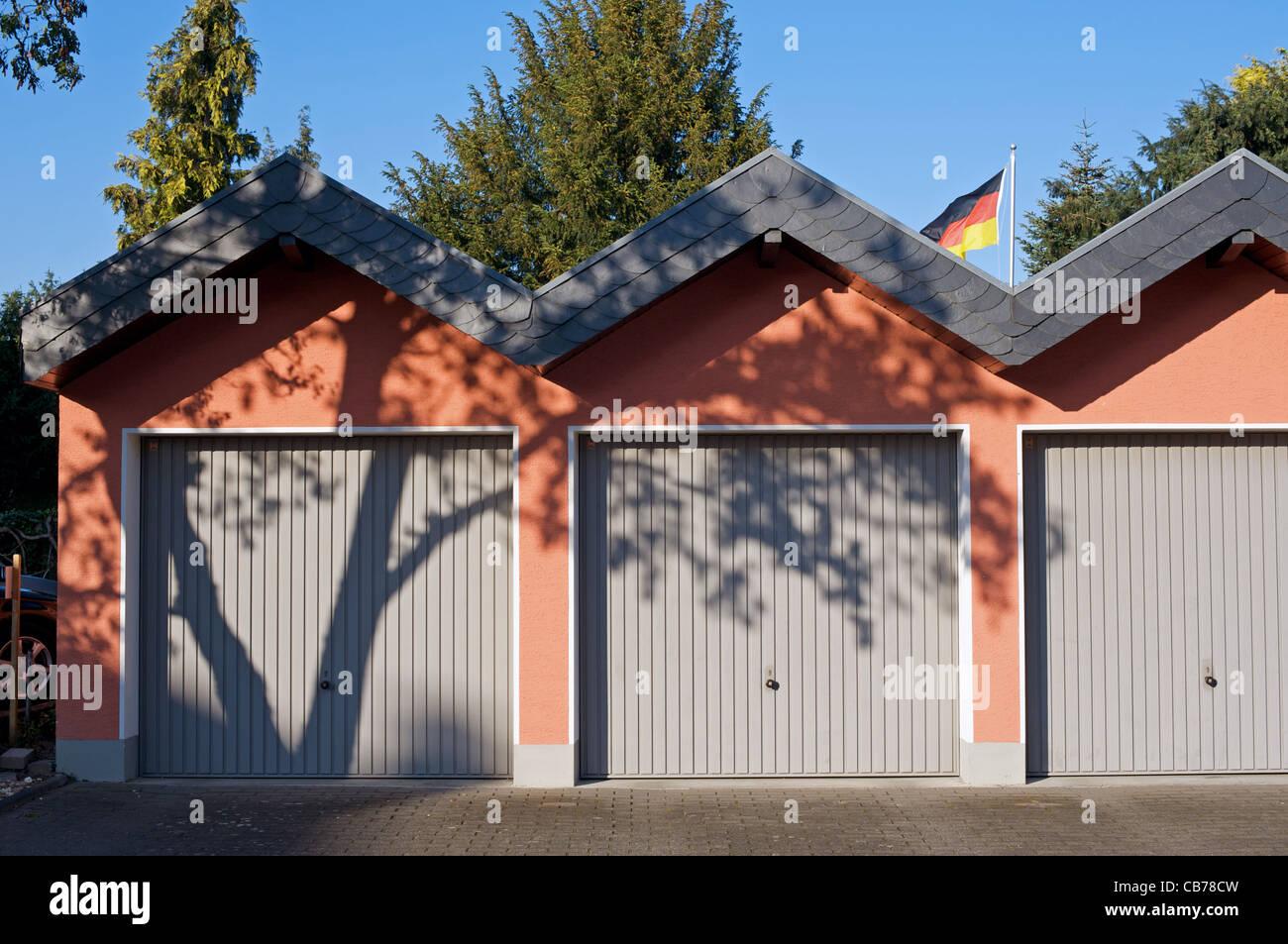 Garajes, Leichlingen, Alemania. Foto de stock