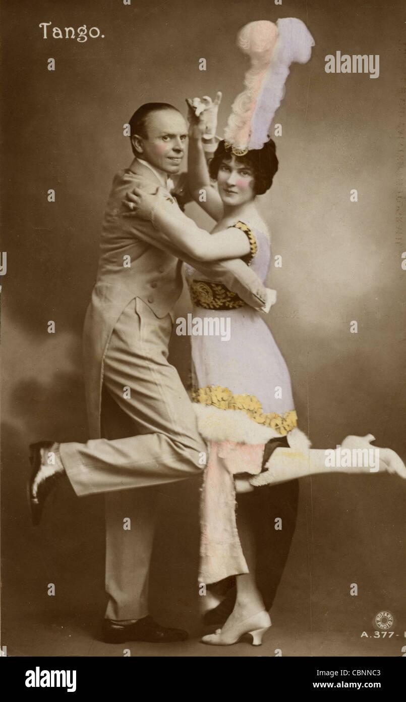 Pareja de baile de tango de precisión Imagen De Stock