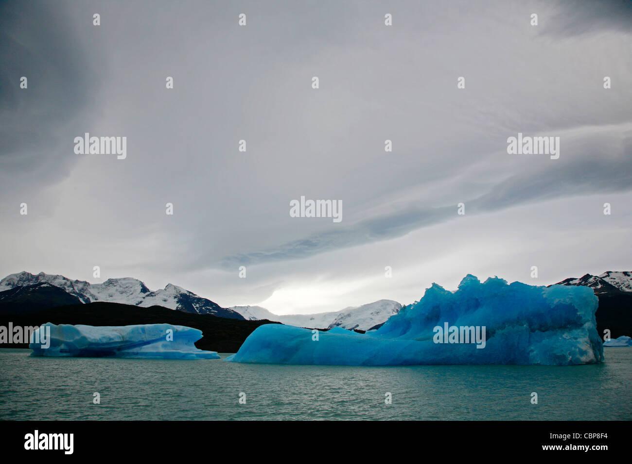 Los icebergs en el Lago Argentina, El Parque Nacional Los Glaciares, El Calafate, provincia de Santa Cruz. Patagonia. Imagen De Stock