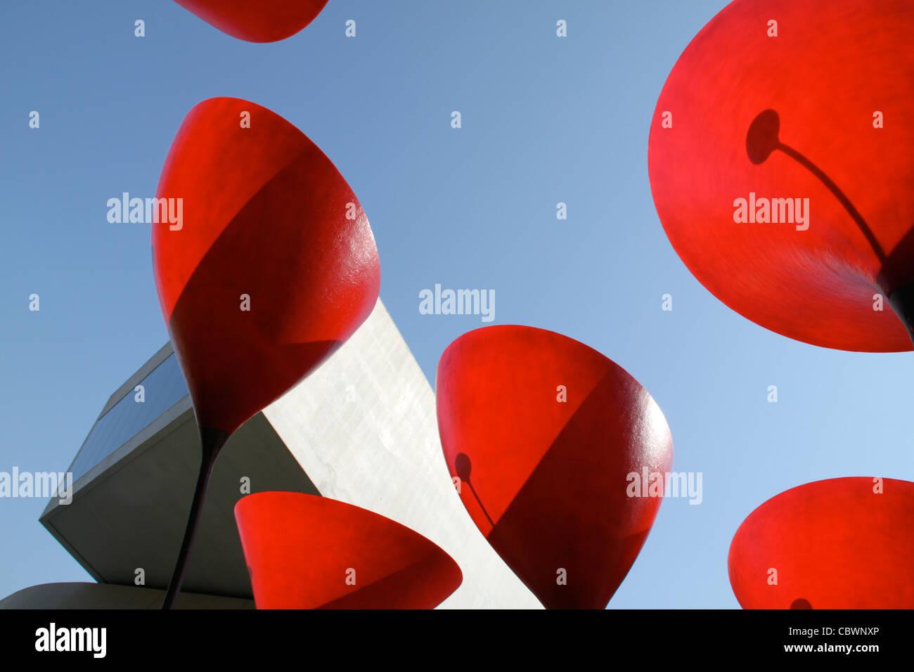 Zaha Hadid es una obra de arte representando la amapola en el museo de arte contemporáneo de Roma. Imagen De Stock