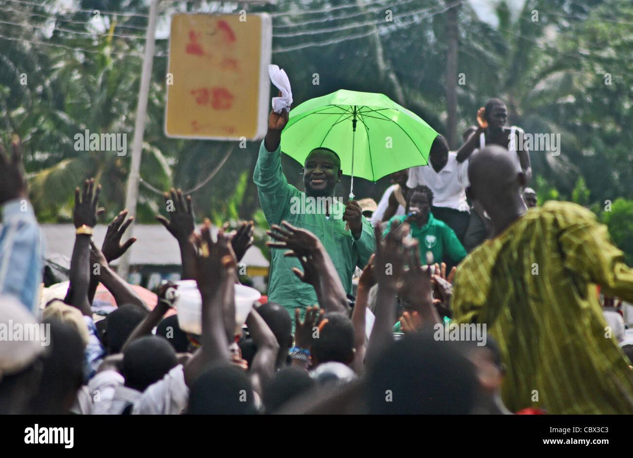 Julius Maada Bio, candidato presidencial por el Partido Popular de Sierra Leona en un rally en Bo, Sierra Leona Imagen De Stock
