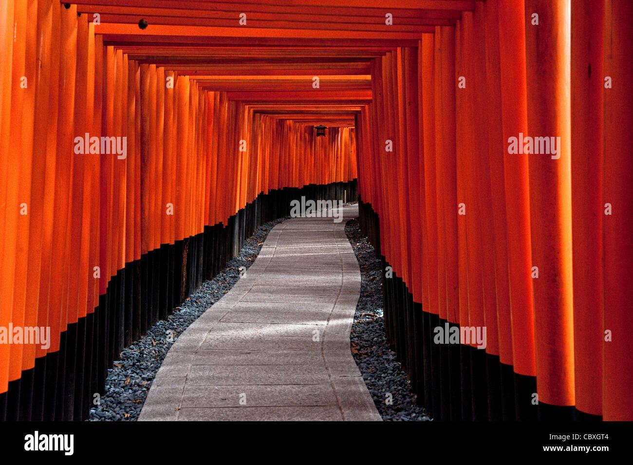 Santuario Fushimi Inari en Kioto, Japón, la religión Shinto, Japón Imagen De Stock