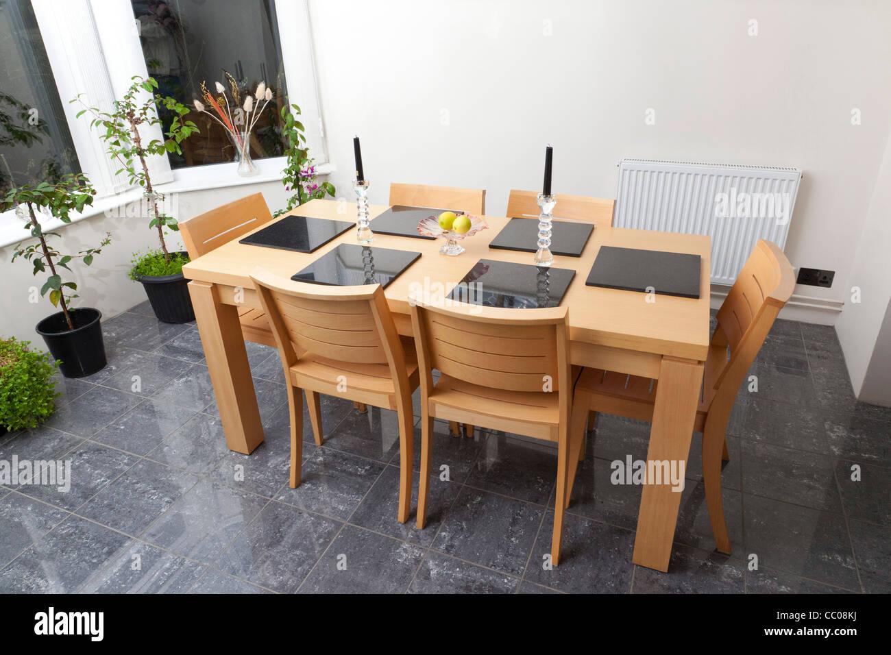 Mesa de comedor en el REINO UNIDO Imagen De Stock