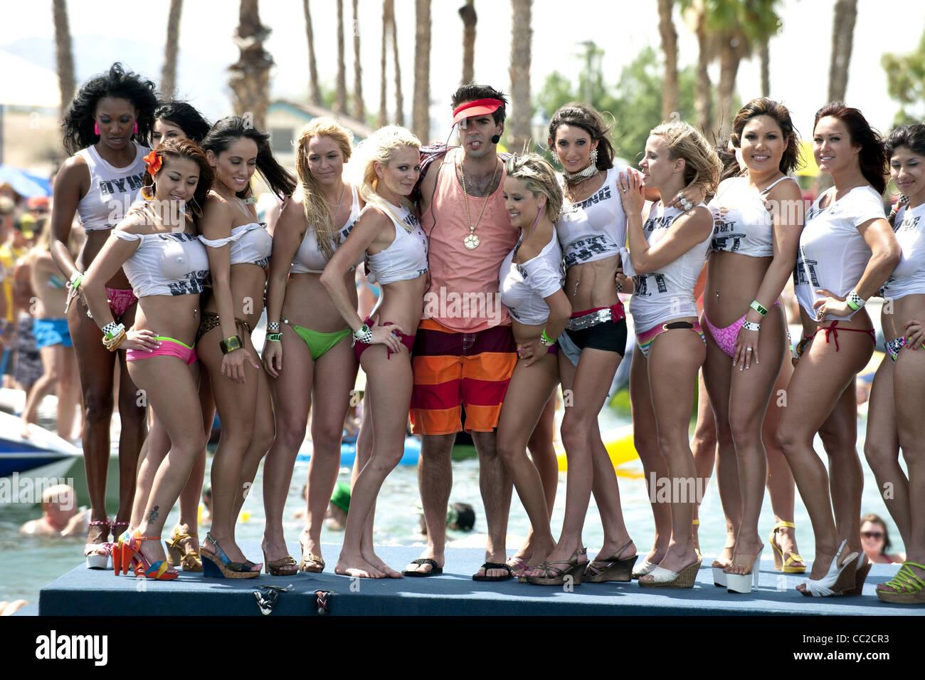 Bikini contest wet tee shirt