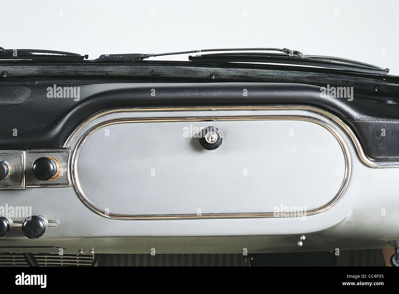 Los coches del siglo XX en Italia. Lancia Flaminia Coupe GT 2.5. Año 1963. Detalle del salpicadero Foto de stock