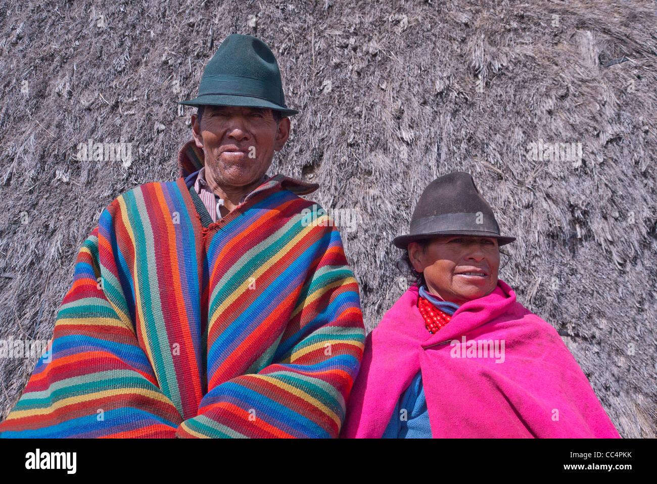 Ecuadorian Hats Imágenes De Stock   Ecuadorian Hats Fotos De Stock ... 31ea8025f59