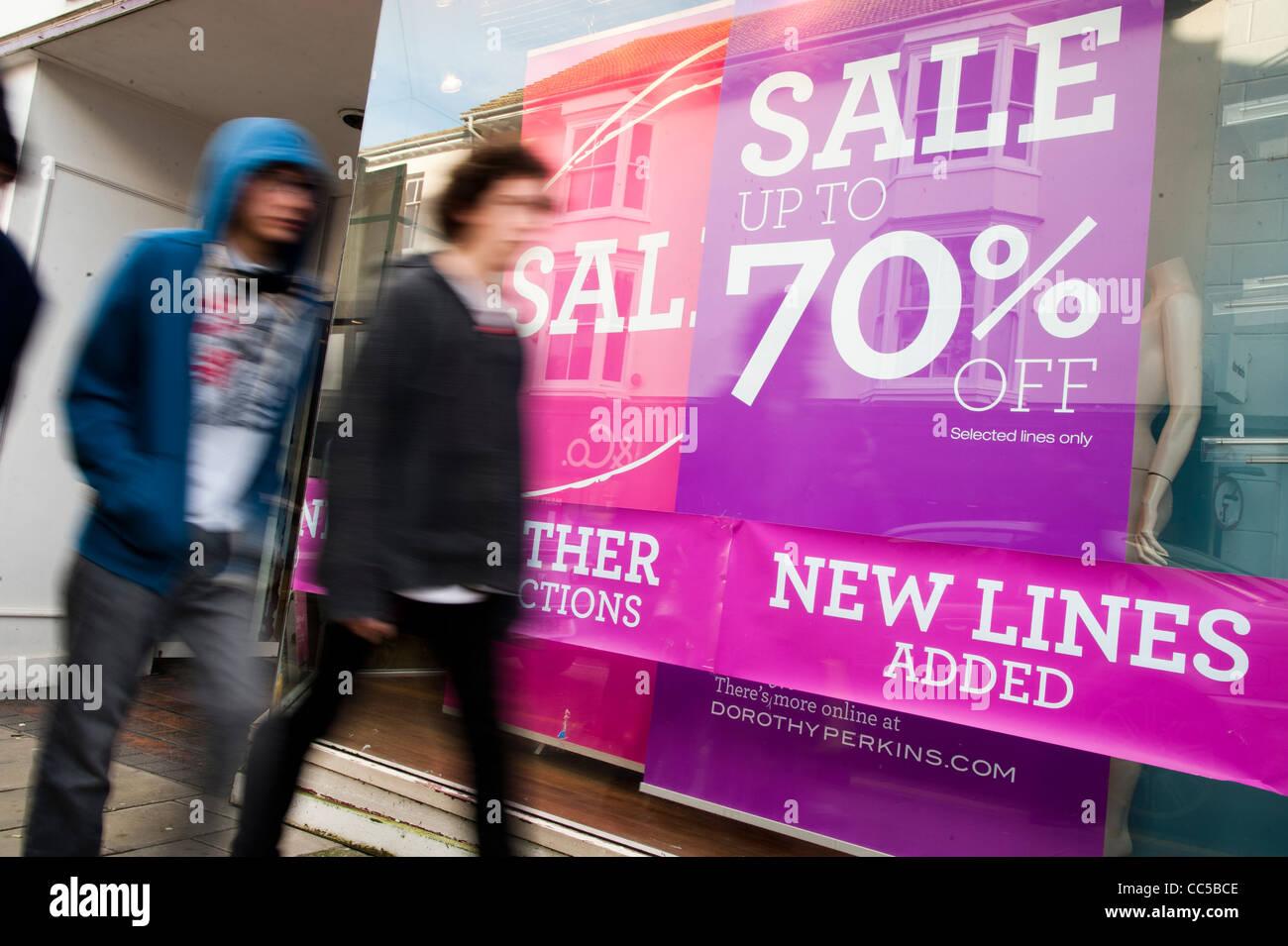 Street Wear Shop Imágenes De Stock & Street Wear Shop Fotos De Stock ...